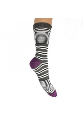 Stribede strømper med blommefarvet hæl